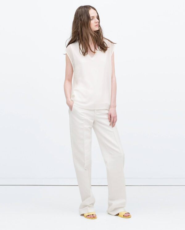 top-with-ribbed-neckline